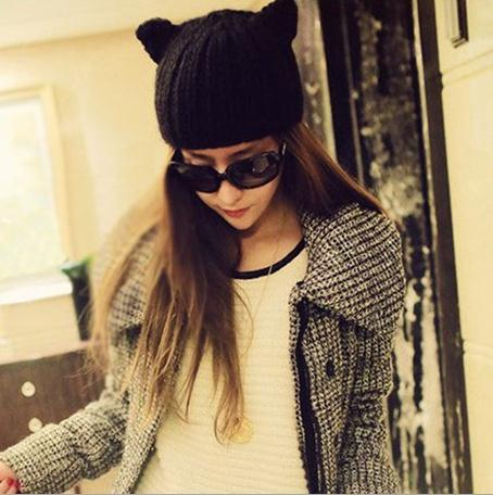 2013 New Arrival Winter Warm Hat Women's Devil Horn Knitted Hats Cat Ears Knitting Caps Female Hat Accessories-in Skullies & Beanies from Apparel & Accessories on Aliexpress.com