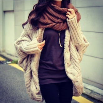 sweater winter sweater oversized sweater cr?me beige scarf marron t-shirt grey t-shirt gris jewels clothes winter outfits
