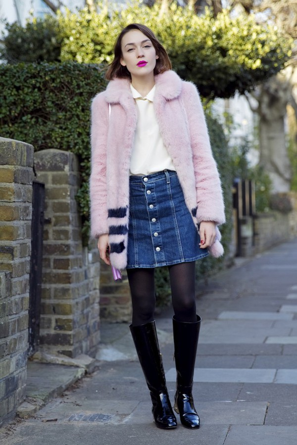 la petite anglaise blogger pink coat faux fur coat denim skirt black boots shoes coat jeans skirt bag blouse make-up