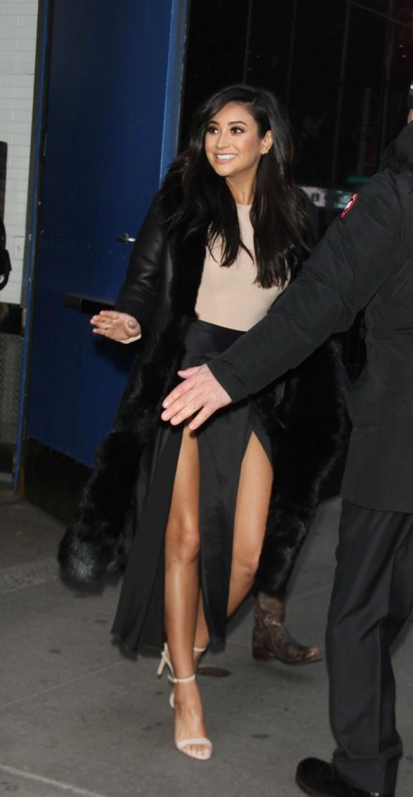 skirt top slit skirt maxi skirt shay mitchell bodysuit bodycon coat sandals