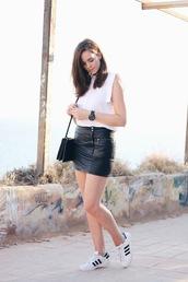 moderosa,skirt,bag,jewels,shirt