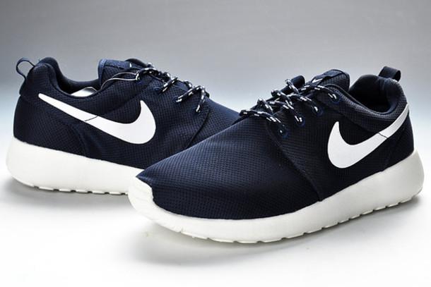 f8cf8baf7f71 shoes nike navy shoes nike shoes nike roshe run black and white