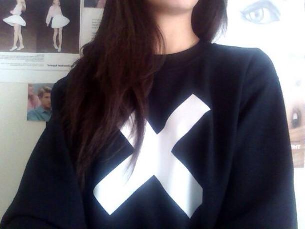 sweater swag hipster cute black white black and white dope soft grunge shirt sweatshirt the xx girly tumblr tumblr girl grunge