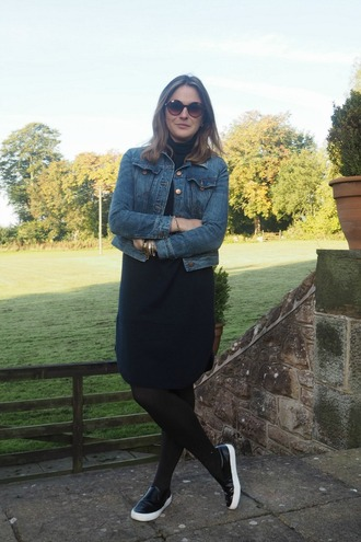 blogger sweater dress jacket shoes sunglasses