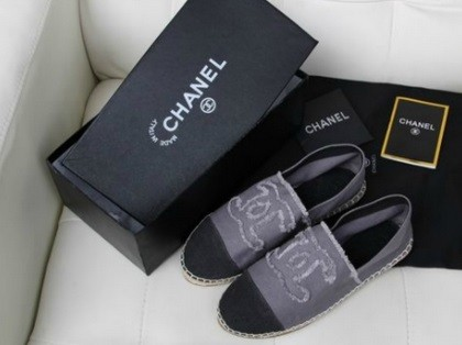 Chanel falt shoes gray