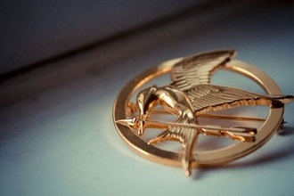 jewels the hunger games mockingbird gold gold jewelry