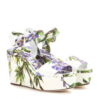 shoes flowers floral white green purple summer spring sandalen sandale wedge sandale wedges flieder dolce and gabbana dolce & gabbana cute love nice wanted