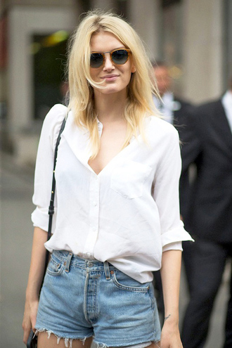 le fashion blogger sunglasses shirt bag shorts