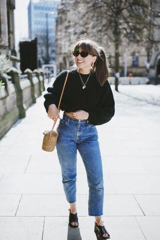 bag sweater jumper black sweater cropped sweater denim high wasted denim jeans sandals black sandals open toe sandals basket bag woven bag retro sunglasses jeans denim vintage jeans