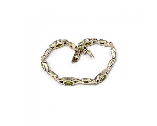 Beautiful 925 sterling silver Peridot Bracelet