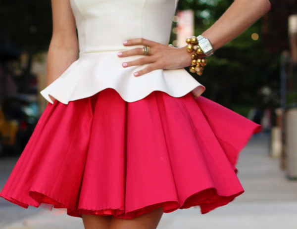 skirt short skirt pink skirt clothes hot pink pink peplum shirt dress cute classy jewels peplum top white bracelets jewelry t-shirt skater dress skirt? pink white skater skirt