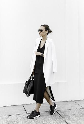 modern legacy blogger sunglasses jewels blazer minimalist black skirt slit skirt black bag sneakers jacket top skirt shoes bag