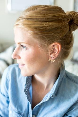 blogger le fashion image denim shirt earrings