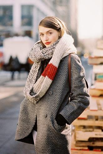 vanessa jackman blogger scarf knitted scarf coat chevron grey grey coat