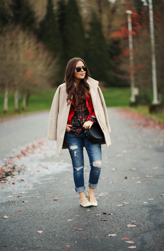 dress corilynn blogger jacket shirt coat jeans bag shoes sunglasses fall outfits ballet flats plaid shirt crossbody bag beige coat