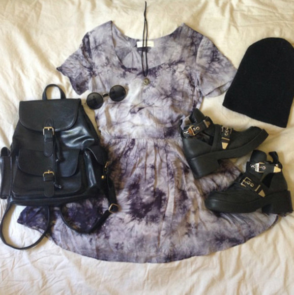 vintage black dress bag dip dyed white fashion style grunge gold goth boots beanie tumblr dress tumblr tumblr girl girl girly elegant punk pretty little liars short sleeved shirt short dress tie dye grunge cut out ankle boots sunglasses gray tye dye dress