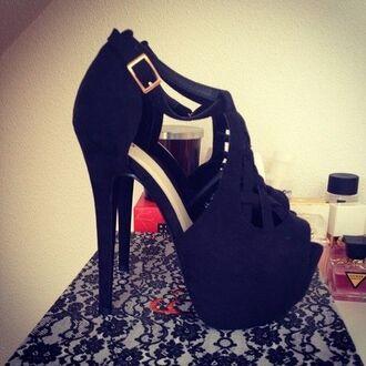 black pumps