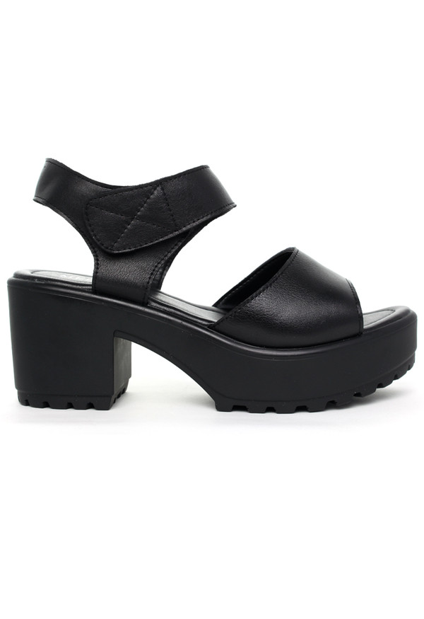 shoes block-heel leather sandals black