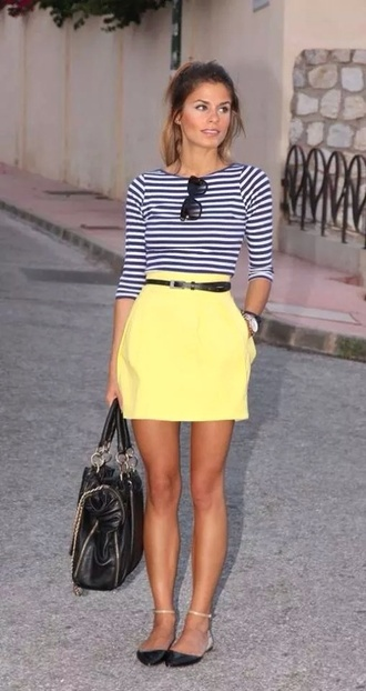 skirt yellow skirt where to get it and also where to  get the e t shirt?