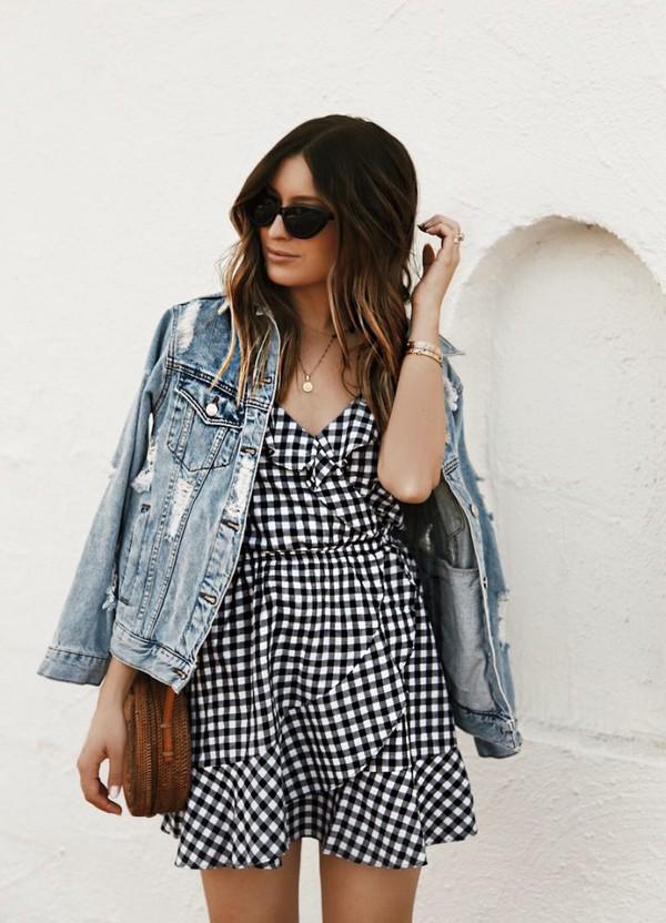jacket denim jacket bag dress black and white black and white dress necklace sunglasses shoulder bag