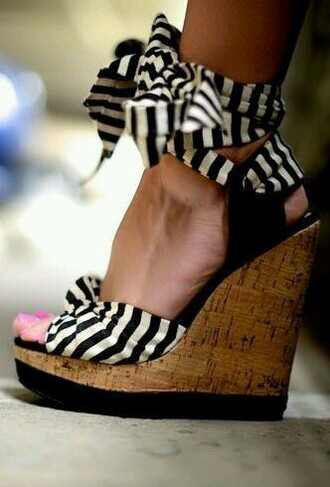 shoes cute sandals wedge sandals black wedges shoes black wedges summer wedges black and white wedges wood wedges stripes black and white shoes black and white black and white stripes black and white sandals
