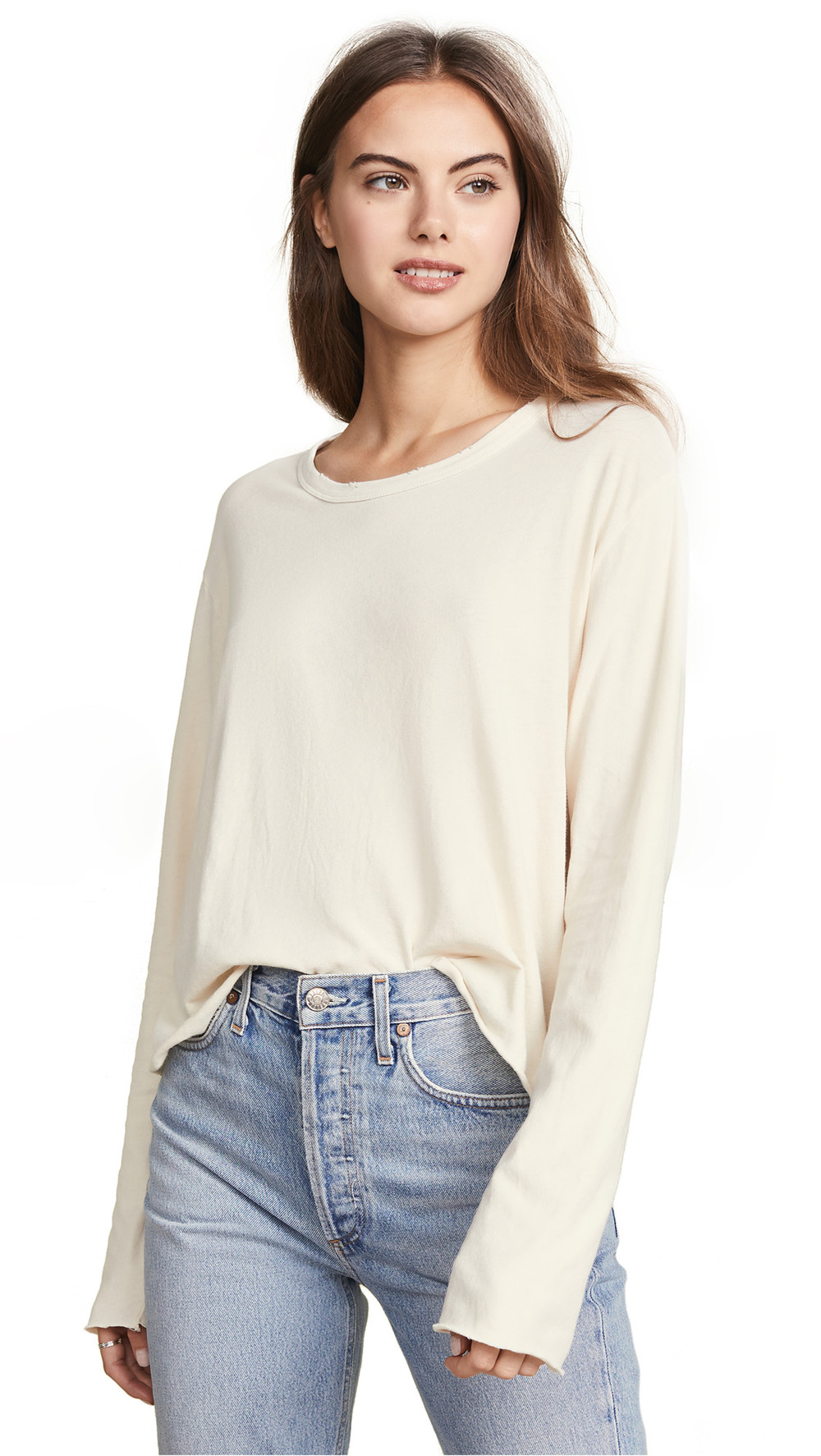 THE GREAT. THE GREAT. The Long Sleeve Crop Tee in white