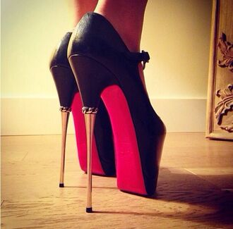 shoes black high heels platform high heels stelleto gold heel red gold chains platform heels