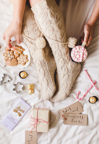 wish wish wish blogger knitwear socks beige christmas food cable knit holiday season dress