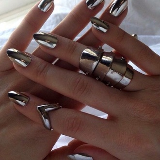 nail polish metal metallic fashion trendy nail accessories accessoire metallic nails jewels armor ring fairy tale jewelry knuckle ring ring silver silver ring