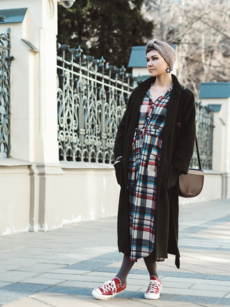 gvozdishe blogger coat dress bag jewels shoes red converse red sneakers high top sneakers tartan tartan dress plaid plaid dress black coat brown bag earrings midi dress