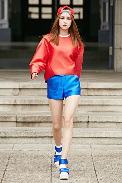 shorts red plateau shoes blue cap clean colorful colorful asian fashion basic shoes white oversized oversized shirt hat