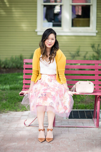 sandy a la mode blogger skirt flats pointed toe tulle skirt floral skirt mustard