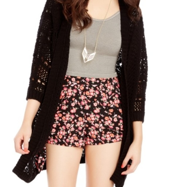 shorts bethonay mota cardigan