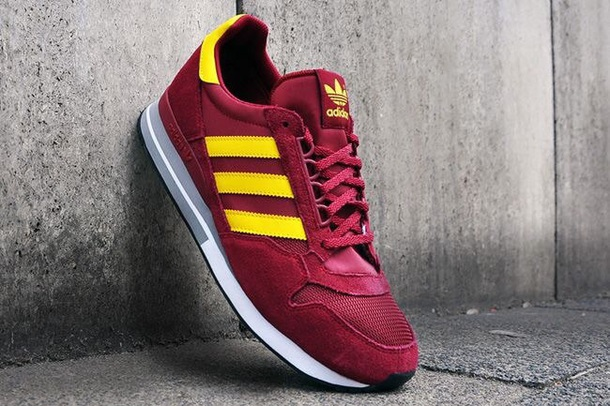 shoes adidas red yellow stripes sportive galatasaray c08461a9cecd