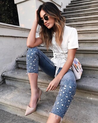 jeans tumblr blue jeans embellished embellished denim cropped jeans pumps pointed toe pumps high heel pumps nude heels sunglasses t-shirt white t-shirt bag chain bag