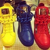 shoes,sports shoes,yellow,red,blue,chain,cool,sporty