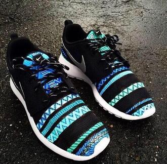 shoes roshes nike shoes nike air aztec shoes nike running shoes nike shoes womens roshe runs zigzag zigzag print