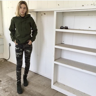 pants sarah snyder camo pants sweater green sweater