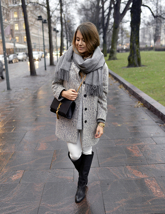 blogger jeans bag coat grey grey coat mariannan scarf clutch saint laurent leopard print