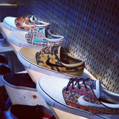 shoes,nike sneakers,nike shoes,nike,nike sb,sneakers,floral,tribal pattern,skateboard,nike shoes with tribal print,nike janno ski,nike 6.0,janoski's
