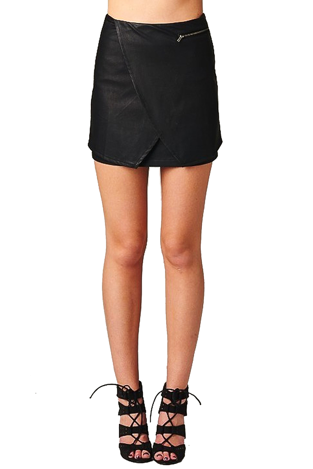Asymmetrical faux leather mini skirt — simply chic