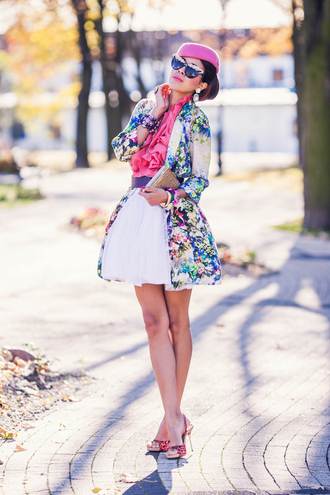 macademian girl coat jewels t-shirt skirt shoes bag sunglasses belt