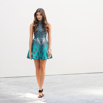 the mysterious girl blogger dress bag jewels shoes