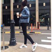 jacket,tumblr,shearling jacket,shearling denim jacket,shearling,sneakers,low top sneakers,white shirt,white sneakers,adidas,adidas shoes,adidas superstars,jeans,black jeans,beanie,leggings