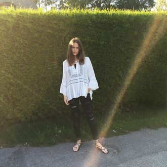 carolines mode blogger flat sandals white blouse boho shirt