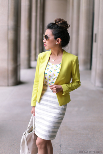 extra petite blogger bag sunglasses shoes jewels jacket yellow blazer white bag white top bodycon skirt striped skirt