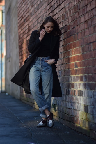 shot from the street blogger mom jeans derbies black coat jeans shoes sweater coat bag