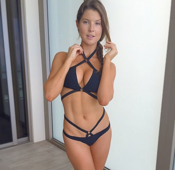 Аманда Шулл
