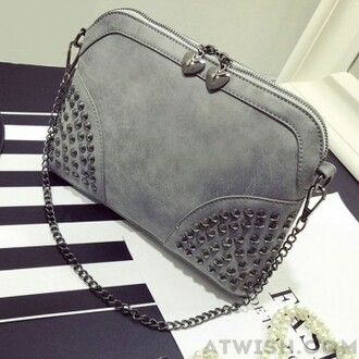 bag rivet shoulder bag