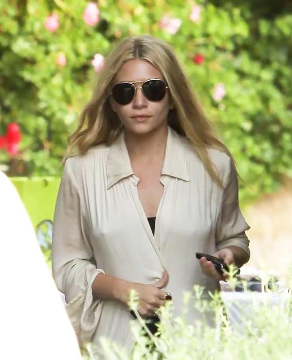 olsen sisters blogger sunglasses top shirt tank top